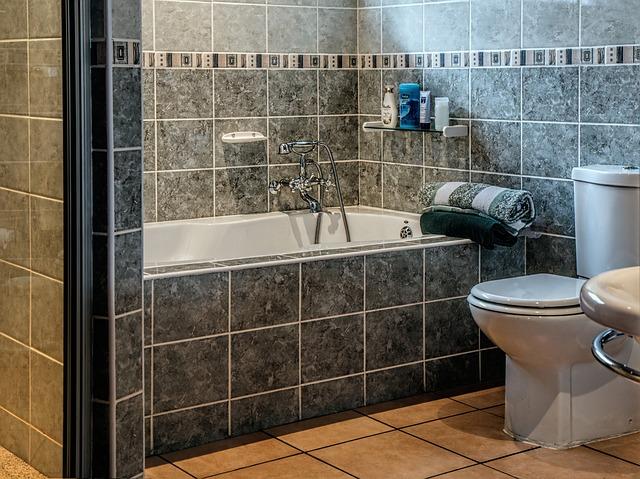 banheiro de azulejo