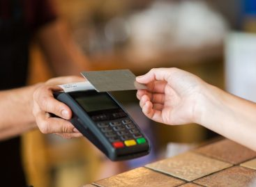 Máquina de cartão: 4 dicas para encontrar a máquina perfeita